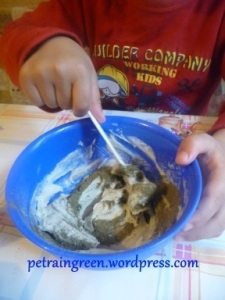 A kókuszolajos fogkrém elkészítése gyerekjáték